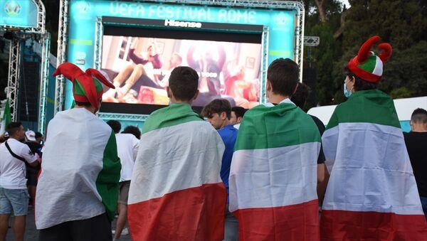 Roma'da dev ekranda İtalya-Avusturya maçı  - Sputnik Türkiye