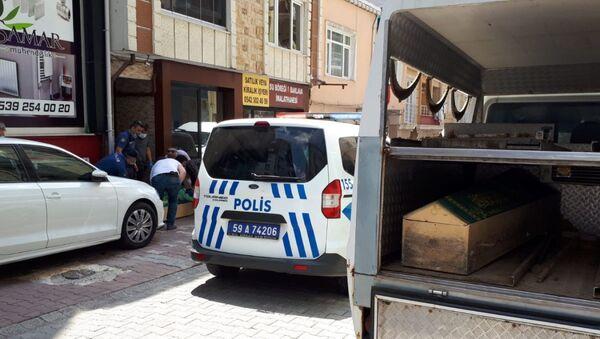 13 yaşındaki kız çocuğunun üvey annesini öldürdü - Sputnik Türkiye