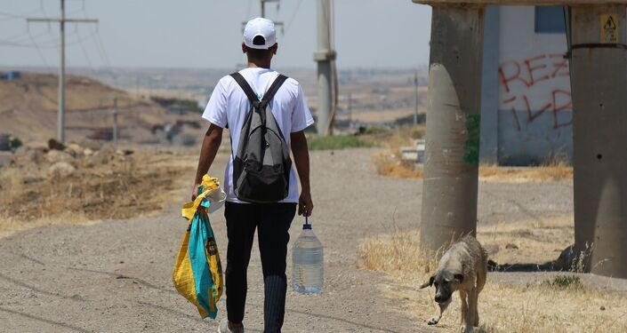 'Biz birlikte güçlüyüz gelin birlikte bu canlara güç katalım' sloganıyla kurulan dernek bir taraftan bakıma muhtaç hayvanların yardımına koşarken, bir taraftan da daha çok sokak hayvanına ulaşmak için gönüllü sayısını arttırmaya çalışıyor.