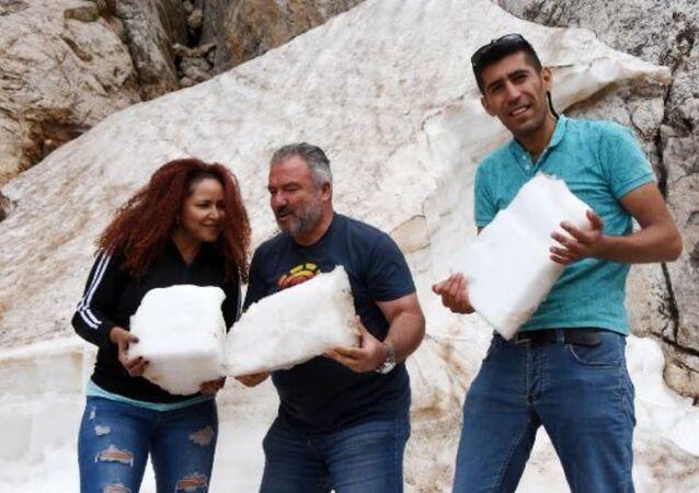 Toroslardan kar kütleleri taşıyanlar