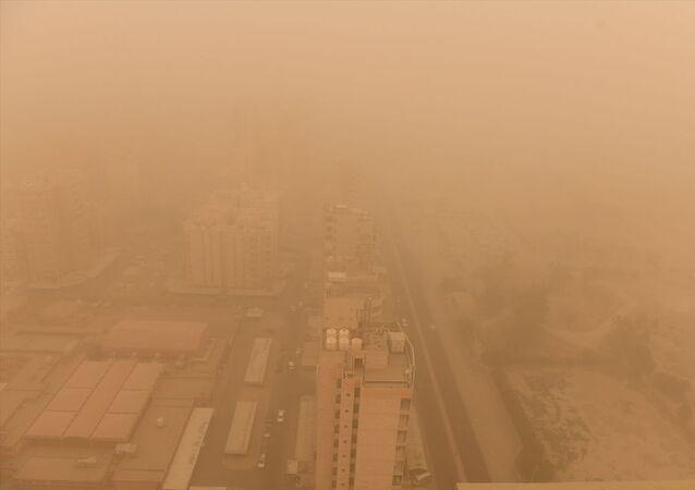 Kuveyt'te kum fırtınası