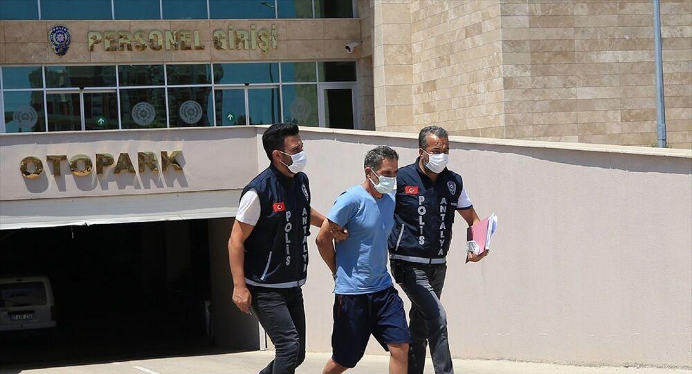 Antalya'da arkadaşını makasla öldürdüğü iddia edilen kişi tutuklandı