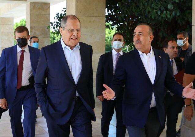 Lavrov ve Çavuşoğlu