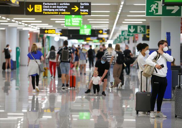İspanya- Havalimanı- Koronavirüs