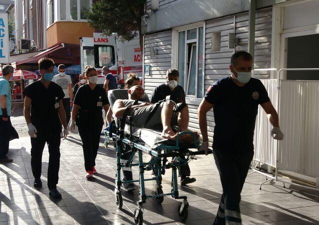 Otelde yemekten zehirlenen 30 kişi hastanelik oldu
