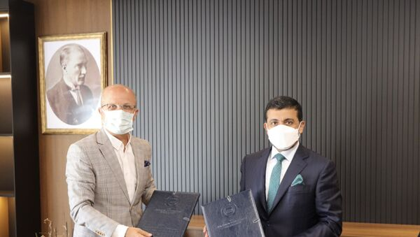 Prof. Dr. Erol Özvar ve Dr. Hassan Al-Derham - Sputnik Türkiye