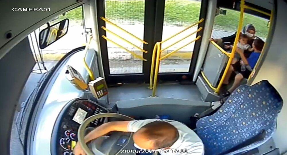 Diyarbakır, otobüs yangın, şoför müdahale
