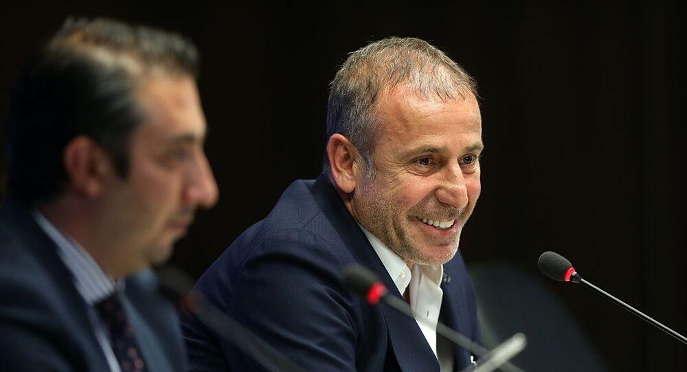 Trabzonspor Teknik Direktörü Abdullah Avcı