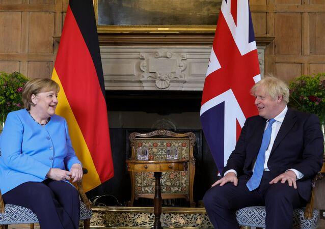 Almanya Başbakanı Merkel'den İngiltere'ye 'veda' ziyareti