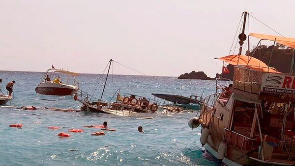 Ölüdeniz'de batan tekne - Sputnik Türkiye