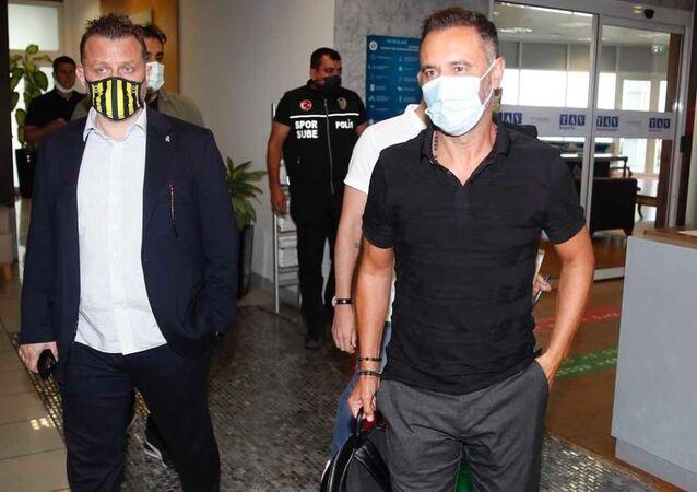 Fenerbahçe'nin yeni teknik direktörü Vitor Pereira, İstanbul'a geldi