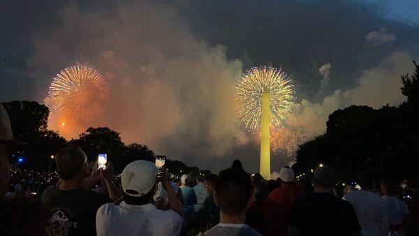 ABD'de Bağımsızlık Günü kutlamaları havai fişek gösterisiyle başladı - Sputnik Türkiye