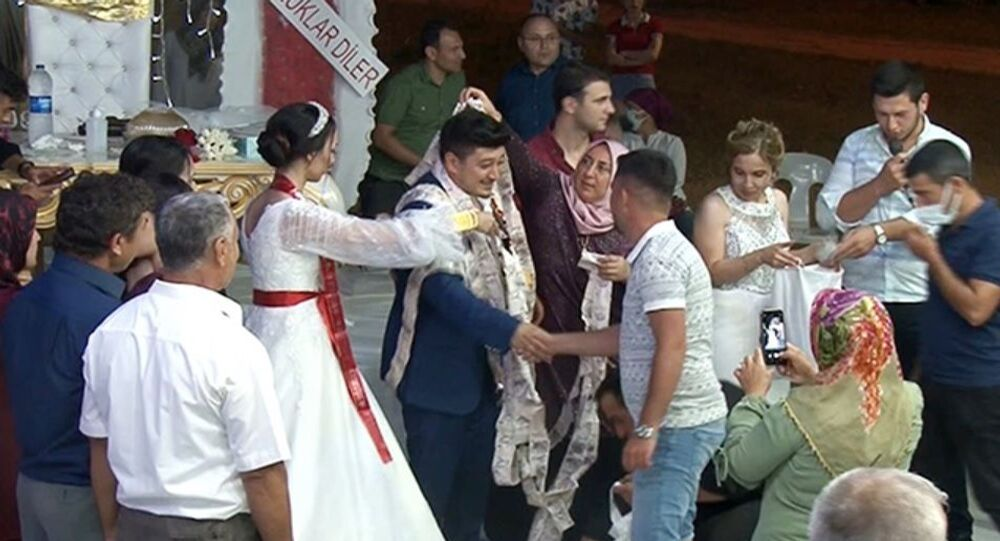 Antalya, düğün hediyesi takı bin tane beş lira-50 metrelik zincir