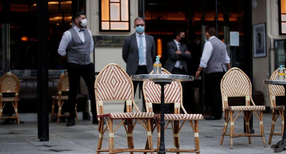 Paris - Fransa - restoran - maske