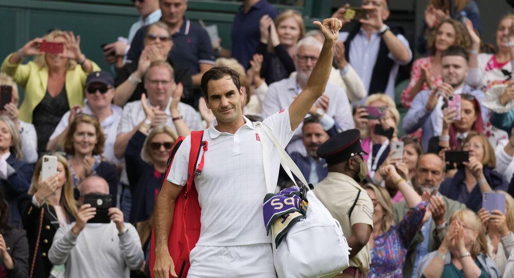 Roger Federer, Hubert Hurkacz'a 3-0 yenilerek Wimbledon'a çeyrek finalde veda etti
