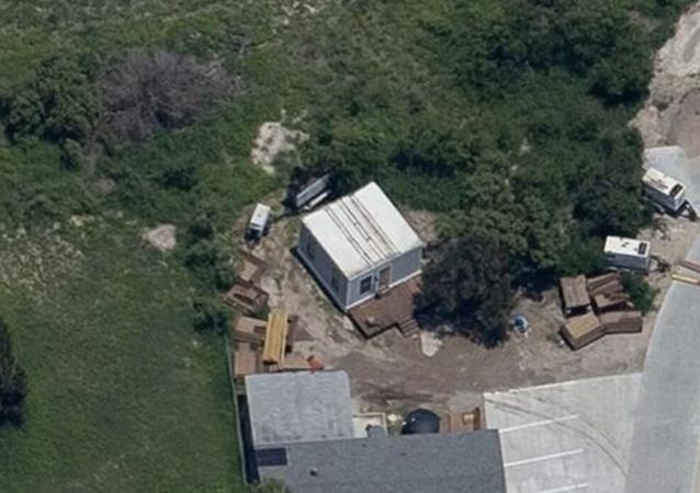 Dünyanın en zengin insanlarından Elon Musk, gayrimenkullerini sattıktan sonra SpaceX tesislerinin yakınında bir prefabrik eve yerleşti