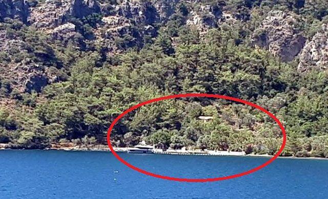 Komedyen Şahan Gökbakar'ın villasının bulunduğu koydaki kaçak iskele iddiasına inceleme