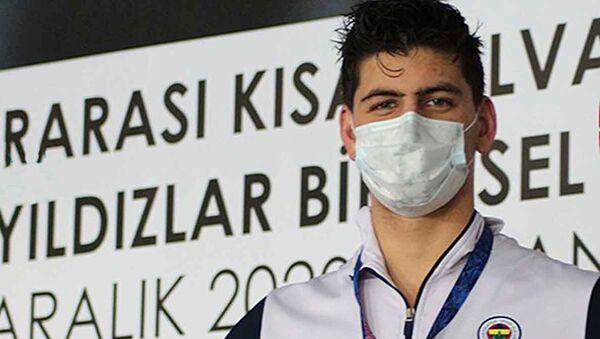 Milli yüzücü Mert Kılavuz, gençlerde Avrupa şampiyonu oldu - Sputnik Türkiye