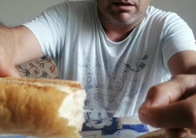 Ekmeğin içinden çıkan ip, Afyon