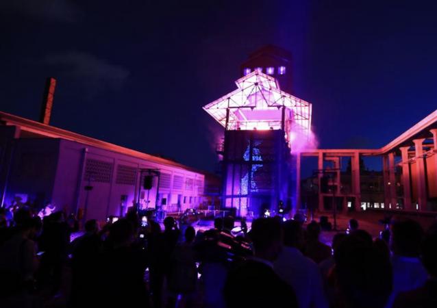 Kadıköy'deki 130 yıllık tarihi Hasanpaşa Gazhanesi, restorasyon çalışmalarının ardındanMüze Gazhaneadıyla yeniden açıldı. İçerisinde, iklim ve karikatür müzesi, bilim merkezi, sergi alanları, tiyatrolar, kütüphanelerin yer aldığı 32 bin metrekarelik alan bundan sonra kültür-sanat ve bilim alanı olarak hizmet verecek.