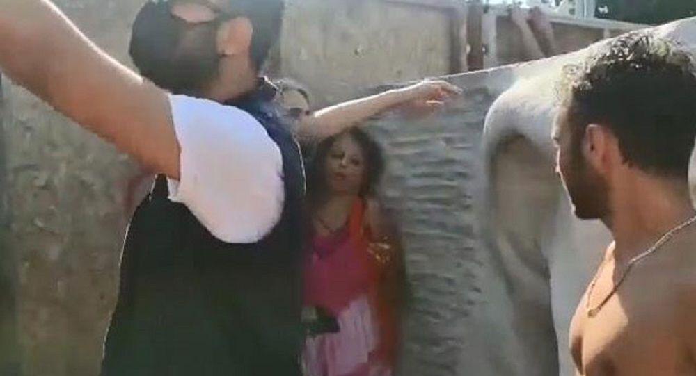 Türk bayrağını yırtıp üzerine bastığı iddia edilen kadın gözaltına alındı