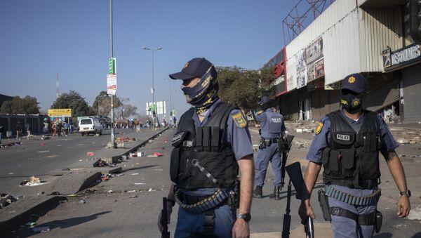 Güney Afrika'daki protestolarda 6 kişi hayatını kaybetti - Sputnik Türkiye