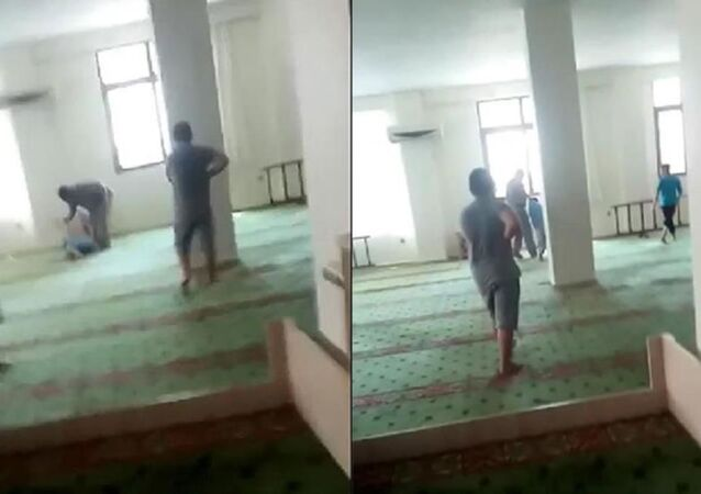 Müezzinin camide çocuğu darp ettiği görüntülere çifte soruşturma