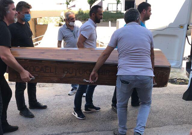 Kocaeli'de 21 yaşındaki kadının şüpheli ölümü