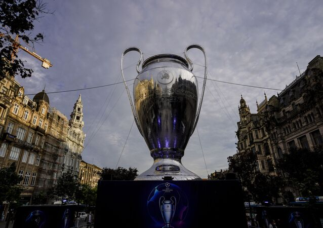 UEFA Şampiyonlar Ligi'nde 12 takım, 2. eleme turuna adını yazdırdı