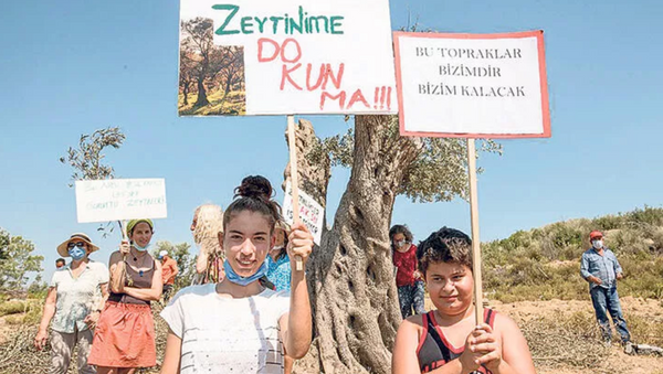 Seferihisar'da köylüden 'Asırlık zeytinlikleri kesmeyin' nöbeti - Sputnik Türkiye