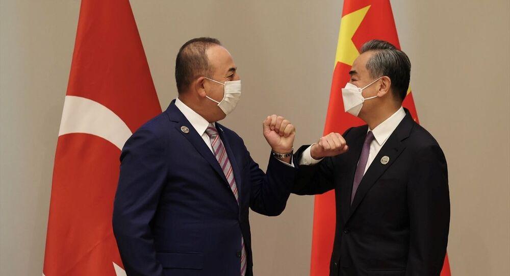 Dışişleri Bakanı Çavuşoğlu, Çinli mevkidaşı Vang Yi ile görüştü
