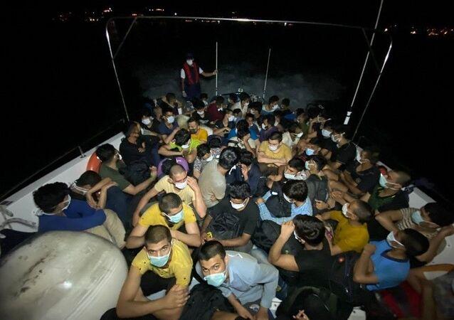 Bodrum açıklarındaki yelkenli teknede 63 göçmen yakalandı