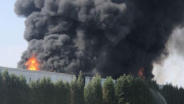 Tekirdağ'da geri dönüşüm fabrikasında yangın - Sputnik Türkiye