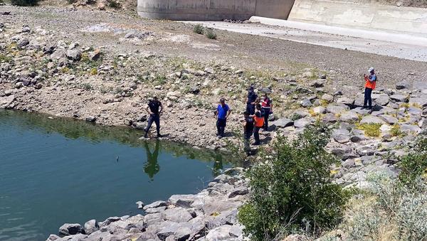 Ailesine not bırakıp gittiği gölette cansız bedeni bulundu - Sputnik Türkiye