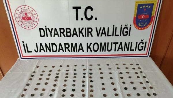 Diyarbakır'da Roma döneminden 143 sikke ele geçirildi - Sputnik Türkiye