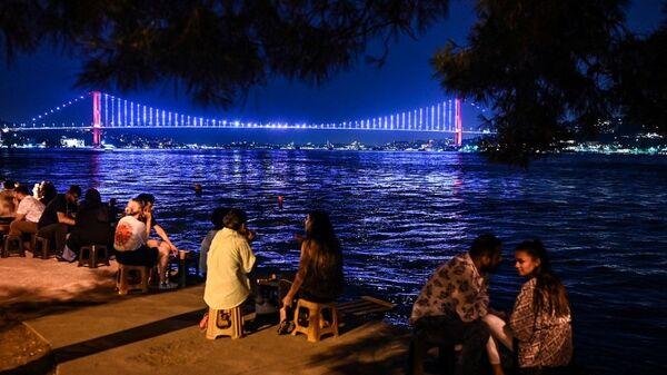 Türkiye - koronavirüs - kalabalık - Sputnik Türkiye