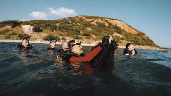 Bakan Pakdemirli, Marmara Denizi'nde dalış yaparak hayalet ağ çıkardı - Sputnik Türkiye