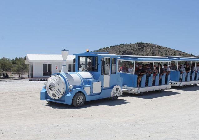 Salda Gölü'nde elektrikli tren dönemi