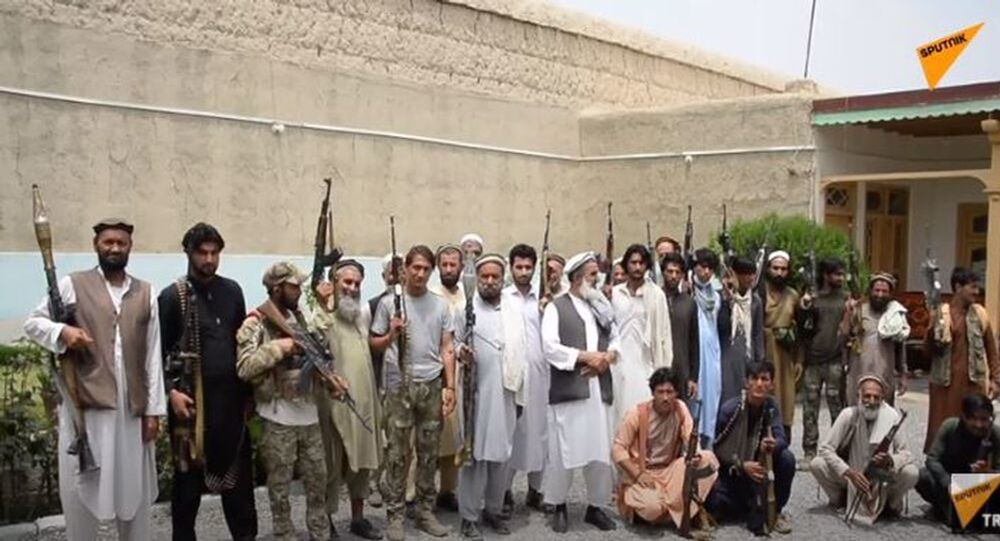 Afganistan, Taliban'ın ilerleyişini durdurmak için yerel milislere yöneliyor