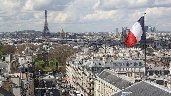 Fransa bayrak Paris Eyfel Kulesi - Sputnik Türkiye