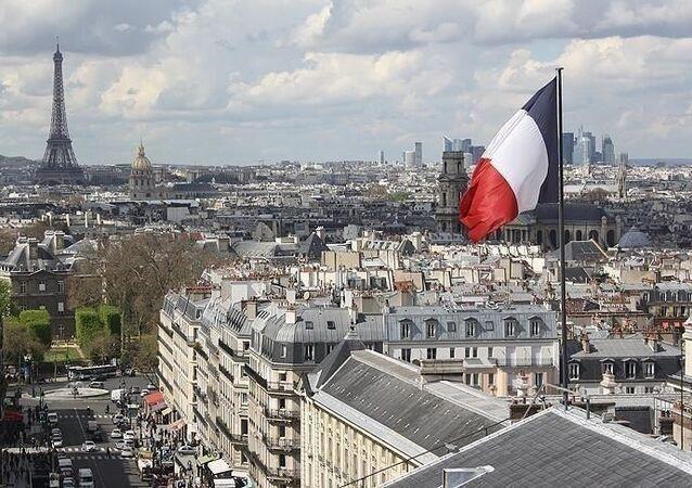Fransa bayrak Paris Eyfel Kulesi