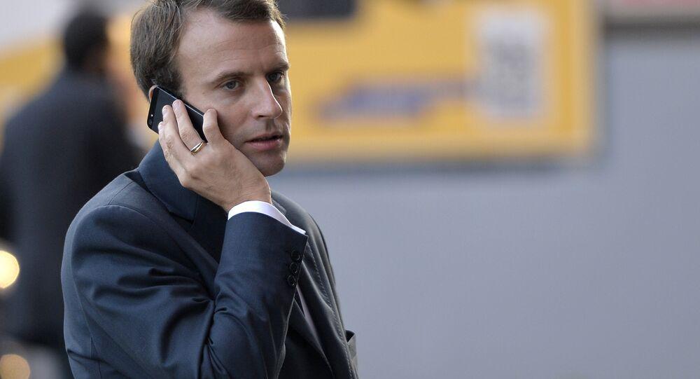 Emmanuel Macron - telefon