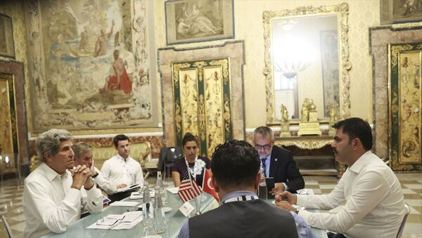 Çevre ve Şehricilik Bakanı Murat Kurum ve ABD İklim Müzakerecisi John Kerry  - Sputnik Türkiye