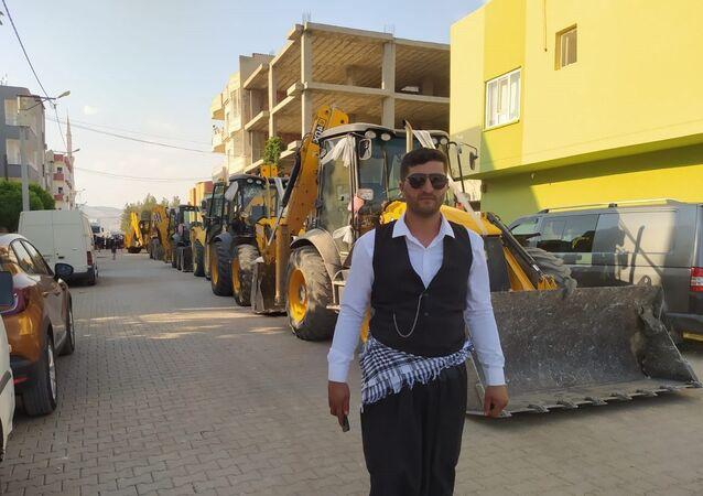 Mardin'de kepçe operatörünün düğün konvoyu