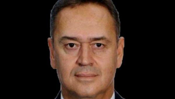 Muğla'daki Milas Bodrum Havalimanı'na dün akşam saatlerinde uçağı indiren kaptan pilotun terminale gitmek için bindiği araçta fenalaştığı ve ambulans ile kaldırıldığı hastanede yaşamını yitirdiği açıklandı. - Sputnik Türkiye