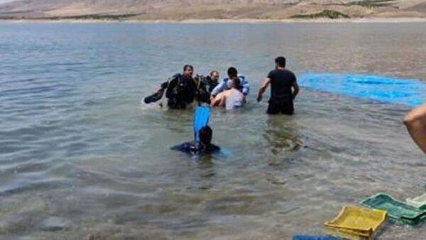 Denize düşen kişi teknenin pervanesine çarparak hayatını kaybetti - Sputnik Türkiye