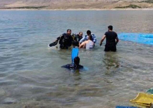 Denize düşen kişi teknenin pervanesine çarparak hayatını kaybetti