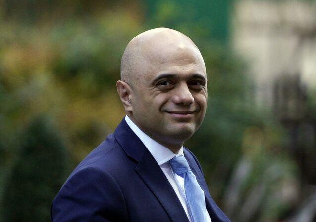 'Kovid'den korkup kaçmayın' diyen İngiliz bakan özür diledi