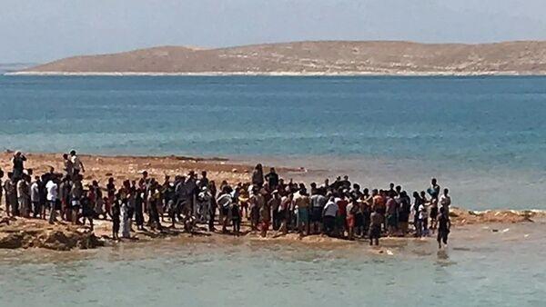 Şanlıurfa'da baraj gölüne giren 2 arkadaş boğuldu - Sputnik Türkiye