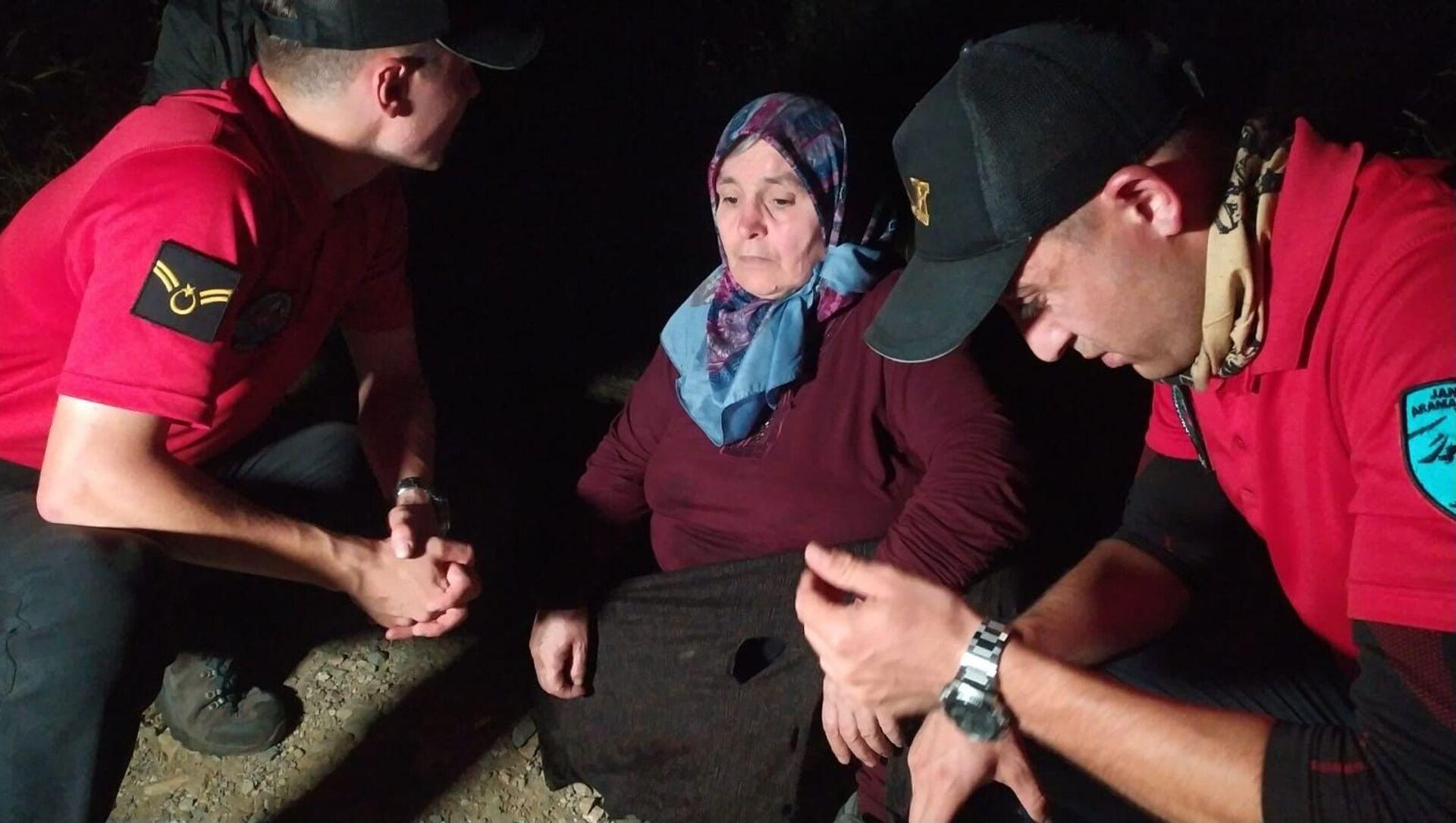 Uludağ'da odun toplamak için gittiği ormanda kaybolan kadın 53 saat sonra sağ bulundu - Sputnik Türkiye, 1920, 25.07.2021